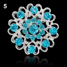 Vintage Flower Brooches for Women Rhinestone Crystal Enamel Pin Brooch Hollow Out Collar Pin Silver Plated Jewelry Pins Accessor chic hollow out flower rhinestoned brooch for women