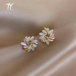 Elegant and Exquisite Opal Petal Circle Stud Earrings For Woman 2020 New Classic Jewelry Luxury Party Girl's Unusual Earrings