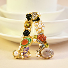 2019 New Fashion Pearl Crystal Letter Brooch Pin Colorful Women Wedding Bride Jewelry Gift women accessories christmas brooch