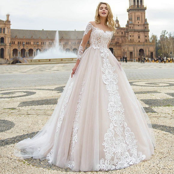 Long Sleeves Glamorous Wedding Dress Lace Appliques Scoop Neck Back Button Vestidos De Novia 2019 Bridal Gowns