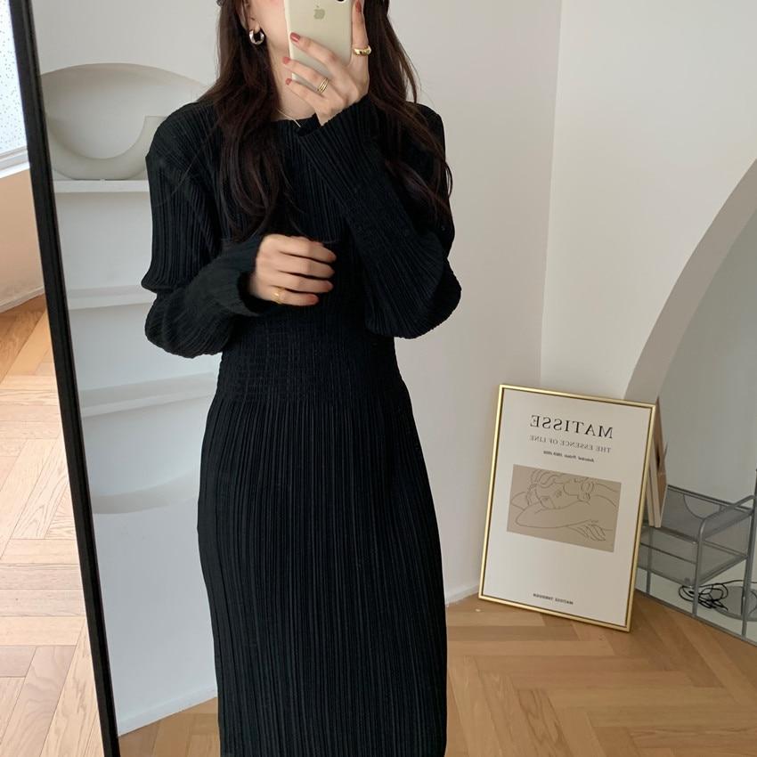 Heec040a67df946b7b85326d5e5d1b5b3S - Autumn O-Neck Long Sleeves Pleated Black Midi Dress