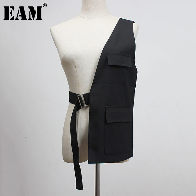 [EAM] Women Loose Fit Black One Side Buckle Split Joint Vest New V-collar Sleeveless   Fashion Tide Spring Autumn 2021 1Y958 1