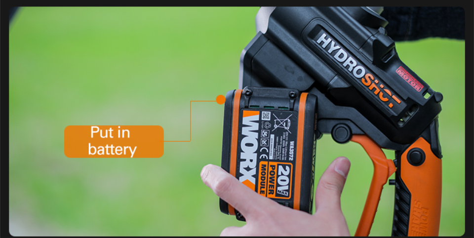 How To put Battery in Worx HydroShot