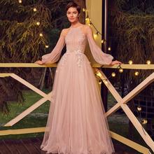 Eightree linia suknie wieczorowe różowy tiul aplikacja sukienka na studniówkę z długim rękawem Illusion Backless piętro długość formalne suknie wieczorowe tanie tanio Pełna Długość podłogi Halter Pociąg sweep Aplikacje Koronki Prom dresses Poliester -Line Tulle REGULAR R051204 Naturalne
