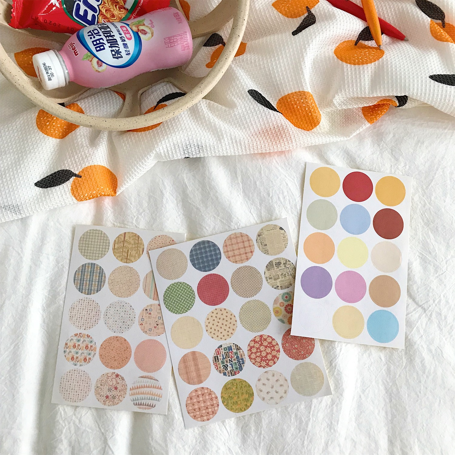 Купить с кэшбэком Ins 9 Pc Cute Circle Point Decoration Sticker Sets Student Notebook Hand Account Sealing Stickers Label Sticker Korea Stationery