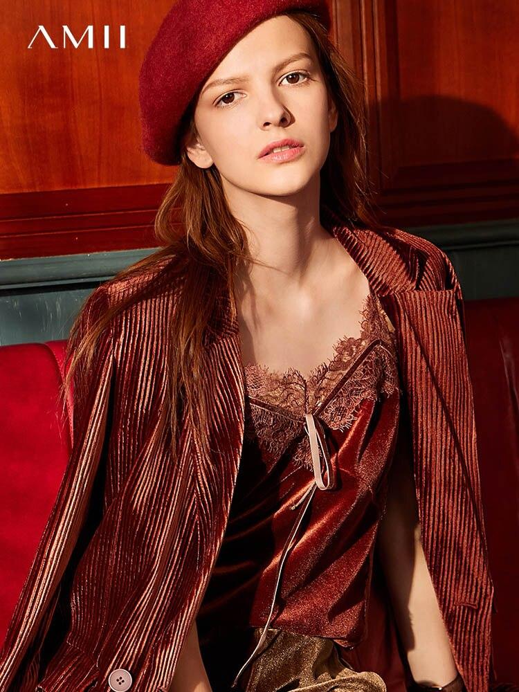Amii's Retro Korean Suit Women 2019 Winter New Commuter Reversible Neck Pleated Velvet Jacket 11940372