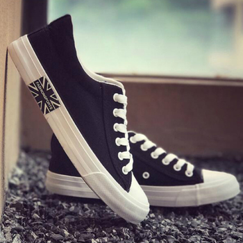 Fashion Sneakers Men Vulcanize Canvas Shoes High Quality Casual Low-cut Shoes New Male Classics Skateboarding Footwear Promotion