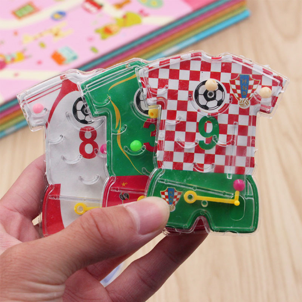 1pcs Kids Happy Birthday Party Favor Football Wear Pin Ball Game Girl Boy Party Baby Shower Souvenir Present Party Toys Random