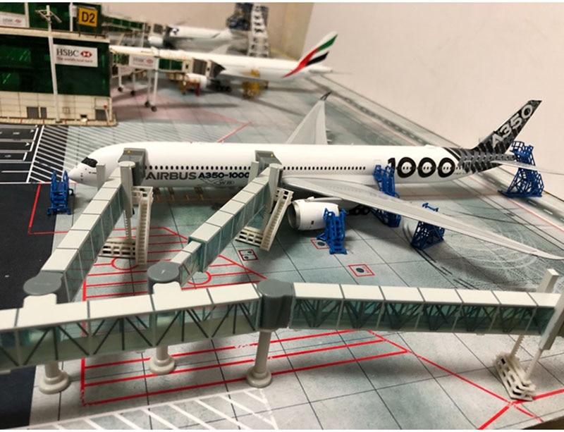 Boarding Passage Model 1: 200 Airbus A380 B747 Model Of Airport Passenger Boarding Bridge Single / Dual Passage Model Collection