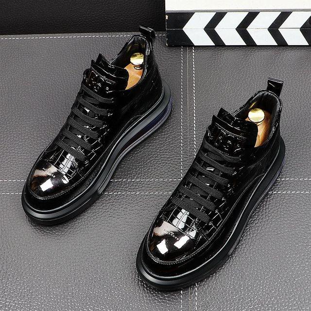 Primavera de 2021 nueva marca diseñador de hombres de la placa de Metal de cuero de aire alta Tops zapatos casuales pisos mocasines de Punk Rock zapatillas de deporte 3