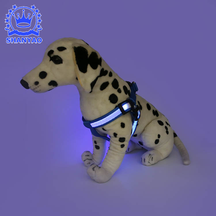 Pet LED Shining Dog Chest Strap Shining Hand Holding Rope Suspender Strap Flash Cloth Fiber Suspender Strap Chest And Back