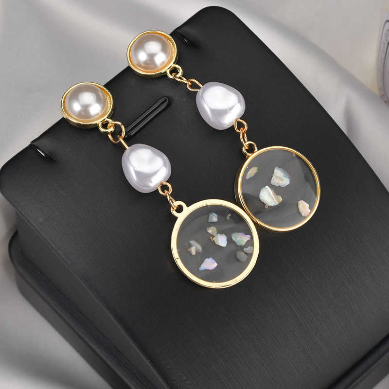 Elegant 3D Triangle Imitation Pearls Pendant Earrings For Women's Birthday Gifts Round Acrylic Pendant Earrings Jewelry