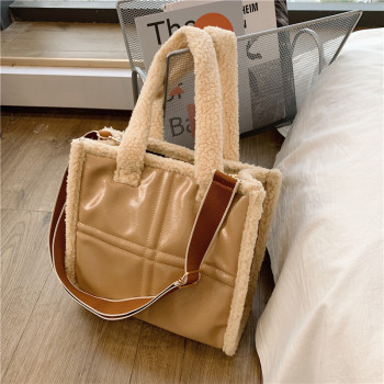 Fashion Lambwool Large Capacity Tote Designer Handbags Luxury Faux Fur Leather Patchwork Shoulder Crossbody Bag Big Purses 2021
