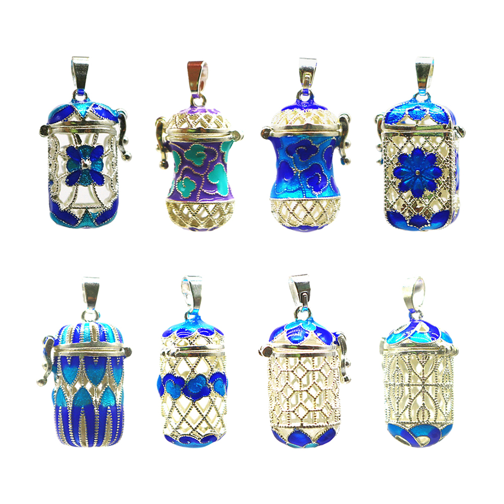 Essential Oil Diffuser Pendant Perfume Cage Locket Hollow Out Enamel Bottle Fashion Pendant for Necklace Keyring