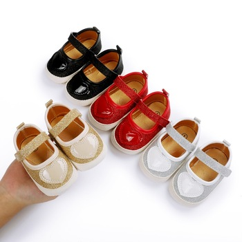2021 Baby Girls First Walkers Newborn Infant Fashion Heart Pattern Shoes Girls Princess Moccasins Solid Soft image
