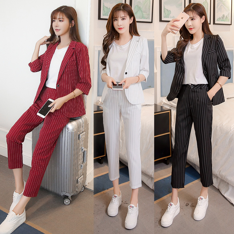 Short Fold Sleeve Stripes Small Suit + Capri Pants Casual Two-Piece Set