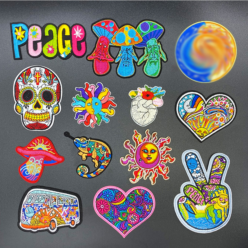 Peace sign 6x6 cm embroidered patch