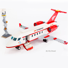 Sluban 0370 City Series Aviation Medical Ambulance Aircraft Truck Car Figures Educational Building Blocks Toy For Children Gift
