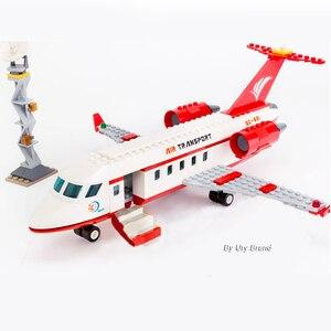 Image 1 - Sluban 0370 Stad Serie Luchtvaart Medische Ambulance Vliegtuigen Truck Auto Cijfers Educatief Bouwstenen Speelgoed Voor Kinderen Gift