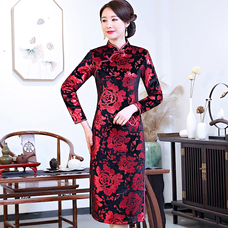 2019 New Style Spring And Autumn Ninth Sleeve Velvet Cheongsam Long Elegant Slim Fit Large Size Middle-aged Women Dress Chinese-