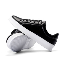 2020 New Tennis Shoes for Men Black White Flats Sneakers Jogging Sports
