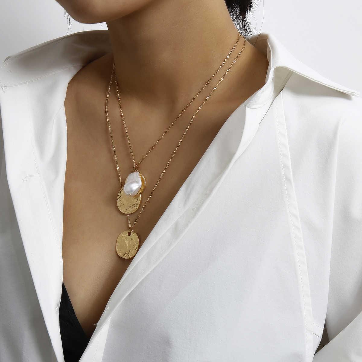 ゴシック甘いバロック真珠のペンダントチョーカーネックレスブライダルウェディングパンクレイヤードコイン長鎖ネックレス女性新年ジュエリー