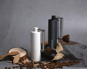 Image 2 - 1pc nano חדש מתקפל MYY48 אלומיניום נייד קפה מטחנת פלדה שחיקה סופר ידנית קפה מיל Dulex נושאות ממליץ