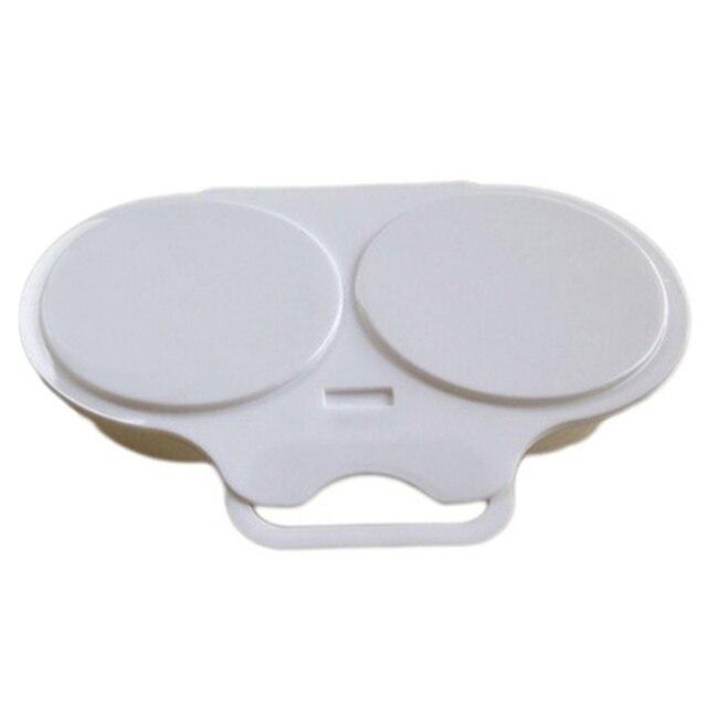 Photo du cuiseur oeuf micro onde tupperware qui est fermé sur un fond blanc.