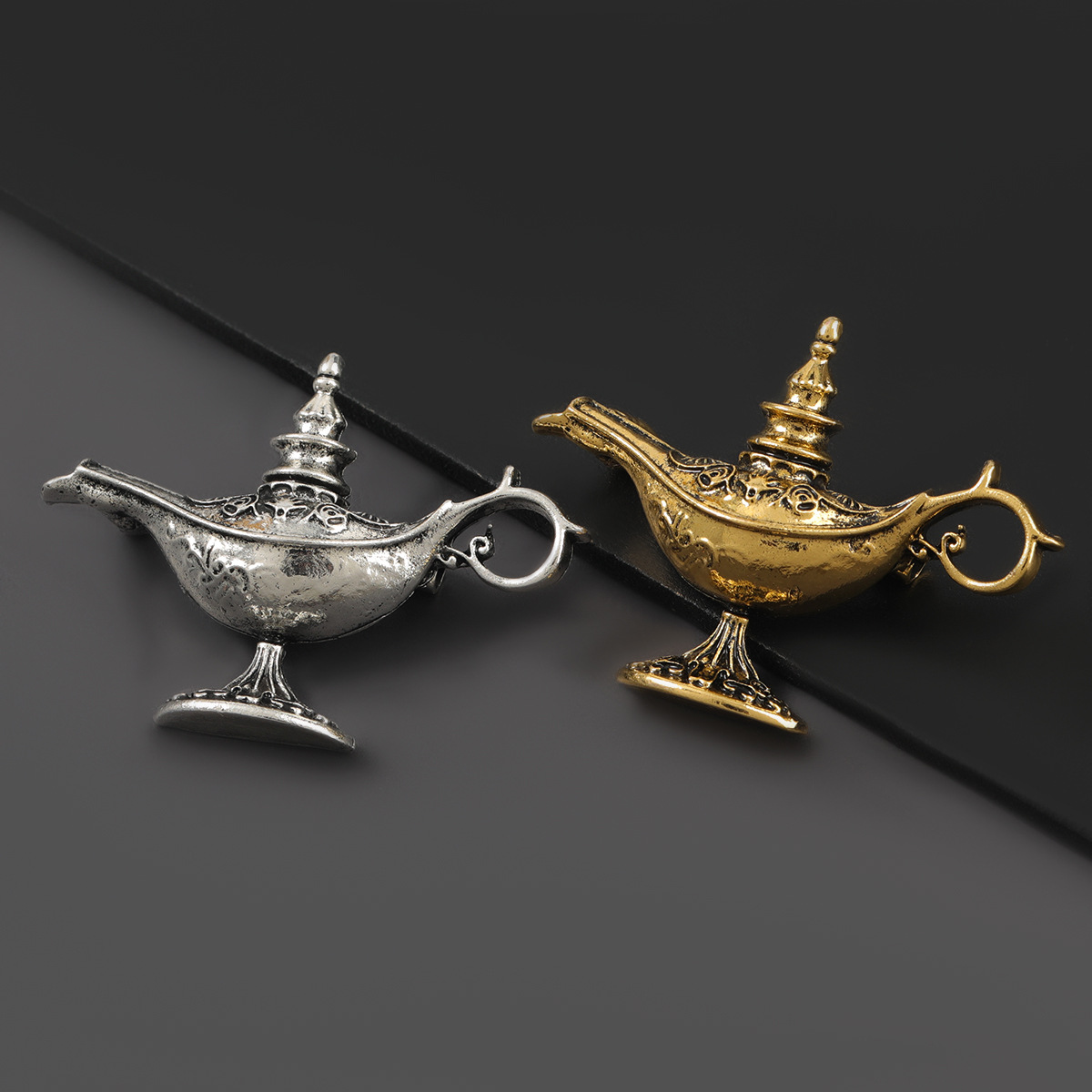 2021 New Fashion Metal Retro Magic Lamp Brooch Female Pin Creative Popular Brooch Jewelry Accessories