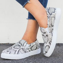 купить Fashion Snake Women Leather Shoes Large Size 43 Shallow Comfy Flat Shoes Woman Loafers Rubber Casual Women Shoes дешево