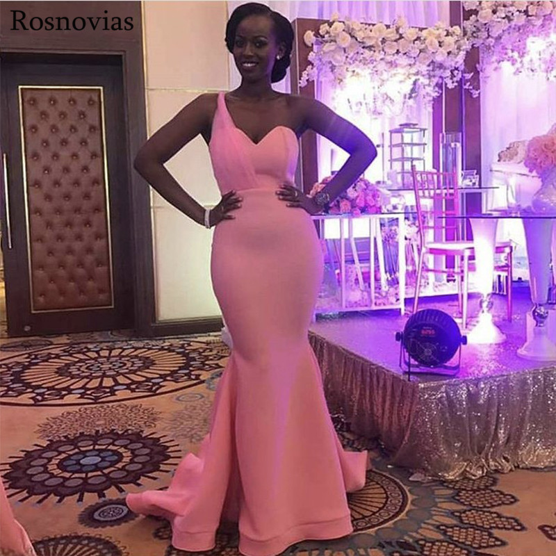 Long Arabic Mermaid   Bridesmaids     Dresses   2019 One Shoulder Sweep Train Black Girls Maid of Honor Stain Wedding Guest Gowns