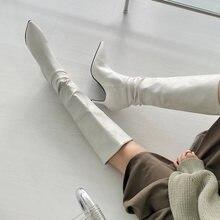 Женские кожаные ботинки на шпильке однотонные высокие с острым