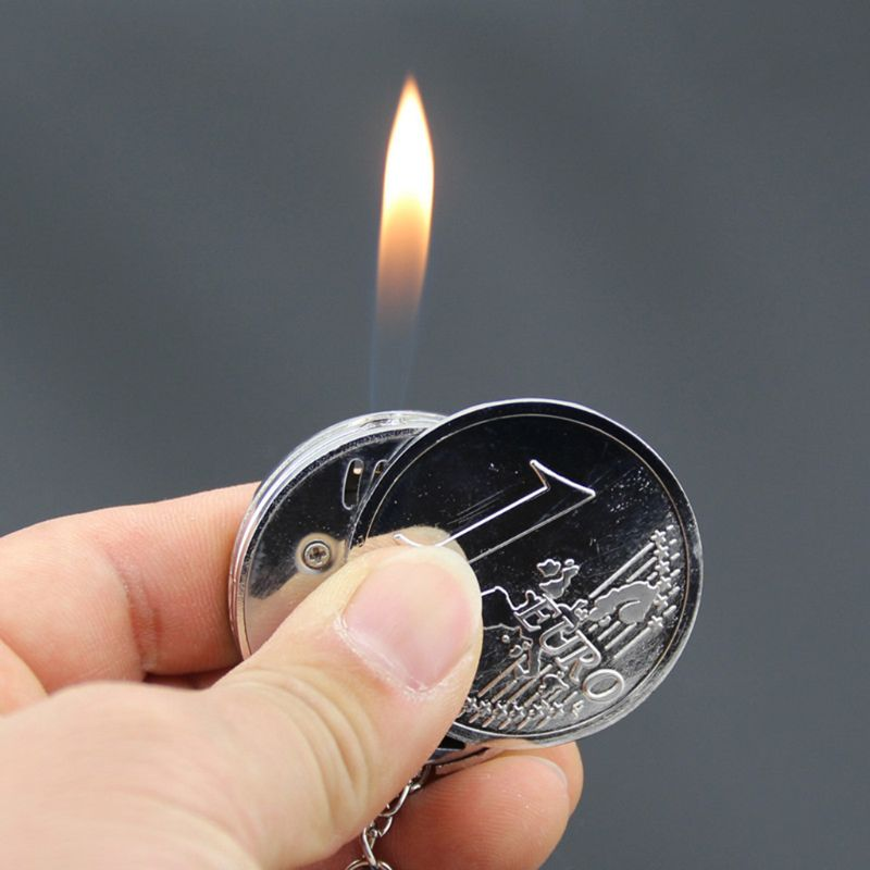 2020 New Mini Coin Shape Cigarette Lighter Portable Simulation Keychian Pendant Refillable Butane Keychain Ornaments Oil