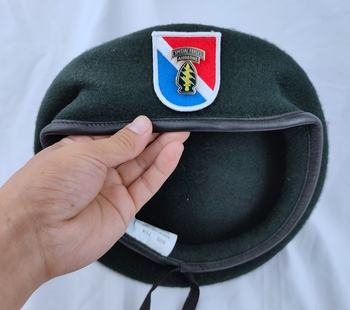 Stany zjednoczone Us Army 11th siły specjalne grupa wełna zielony Beret i siły specjalne AIRBORNE metalowe insygnia czapka wojskowa tanie i dobre opinie CINESSD Z wełny Dla dorosłych Stałe Formalne