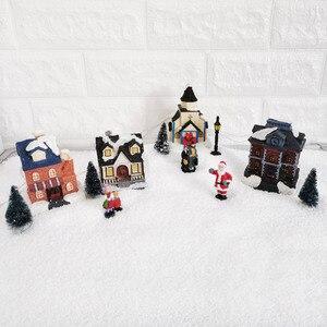 Image 3 - Casa de pueblo de invierno de Navidad con luz LED con temporizador, figuritas de Navidad, accesorios para el paisaje de pueblo, juego de accesorios