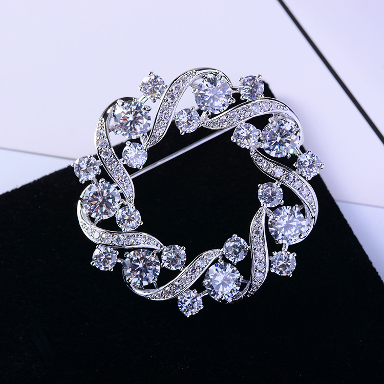 Bad Gug Shiny Rhinestone Flower Brooches for Women Round Brooch Pin Vintage Fashion Jewelry Winter Accessories Zircon Brooche-5