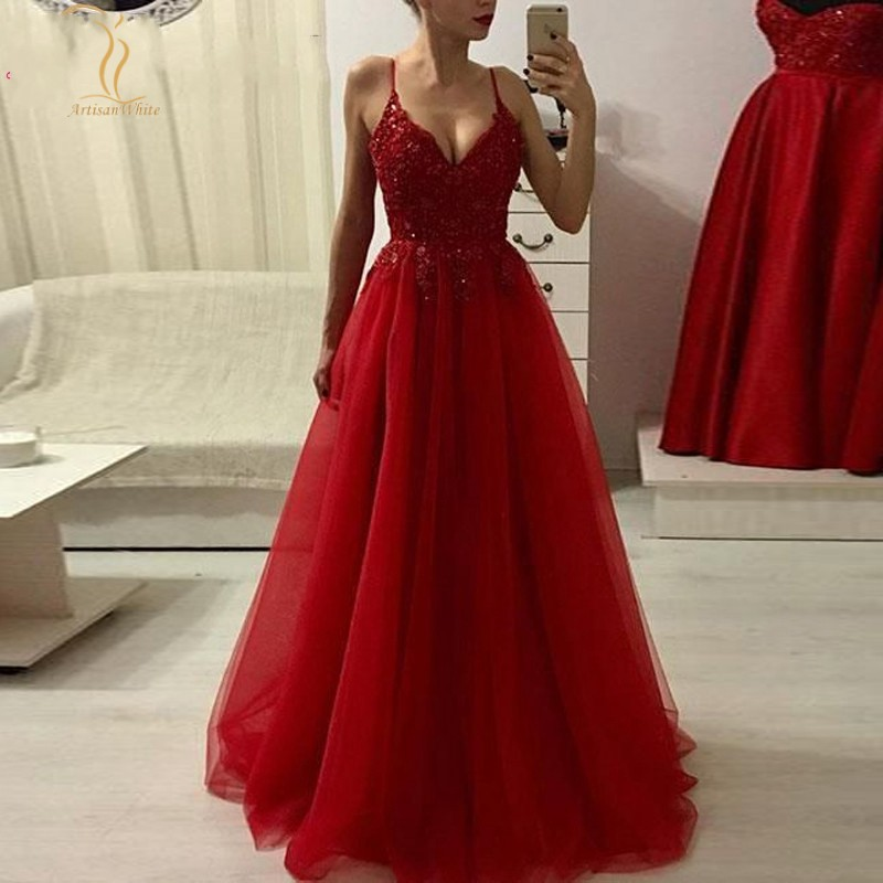 Evening Dresses 2020 Lace Appliques Beaded A Line Tulle Long Red Spaghetti Straps V Neck Formal Party Prom Gowns
