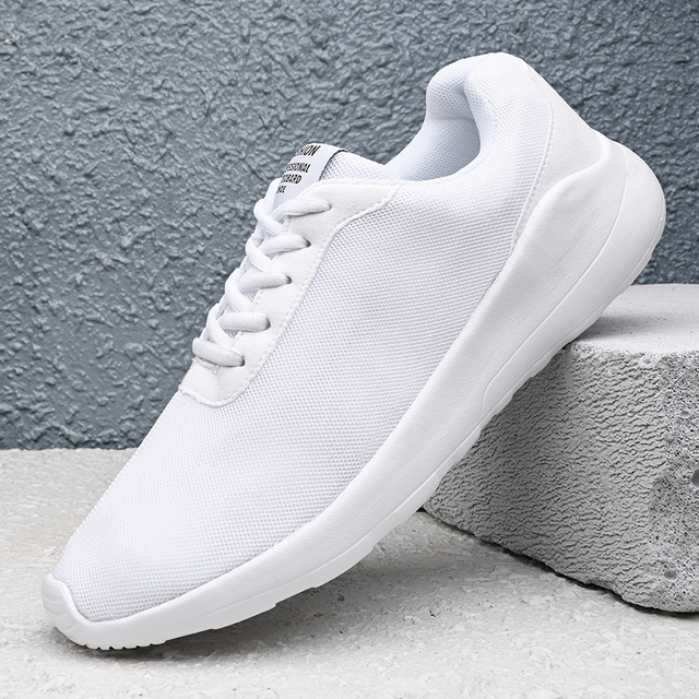 Light Weight Men Sneakers Men Casual Shoes Breathable Mesh Jogging Shoes 2020 Summer Comfortable Walking Sneakers