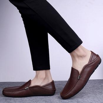 Sprzedaż nosić moda przyczynowe skórzane białe buty sportowe męskie męskie płaski but dla 2020 buty rekreacyjne męskie męskie męskie sportowe męskie casual hot tanie i dobre opinie Kalorzze Prawdziwej skóry RUBBER A3200362 Slip-on Pasuje prawda na wymiar weź swój normalny rozmiar Oksfordzie Stałe