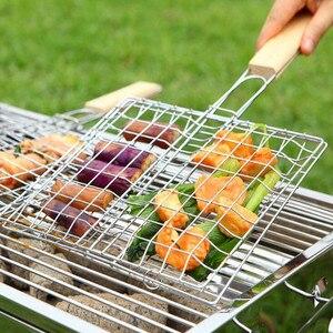 1 pc fio de ferro churrasco cesta grelhar churrasco net alça de madeira titular clipe de carne suprimentos para churrasco com alça de madeira ao ar livre piquenique