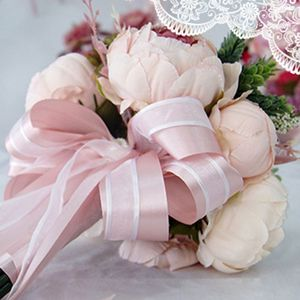 Image 2 - Europäischen Vintage Braut Hochzeit Bouquet Künstliche Staubigen Pfingstrose Blumen Gefälschte Sukkulente Spitze Band Brautjungfer Party Decor