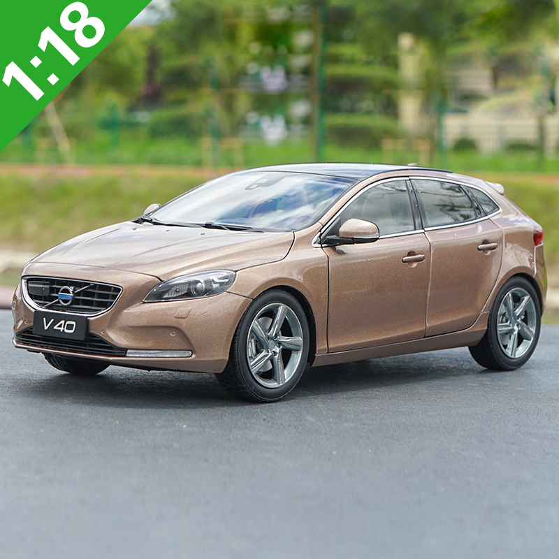 1:18 Volvo V40 Alloy Model Car Static Metal Model Vehicles Original Box For Gifts Collection