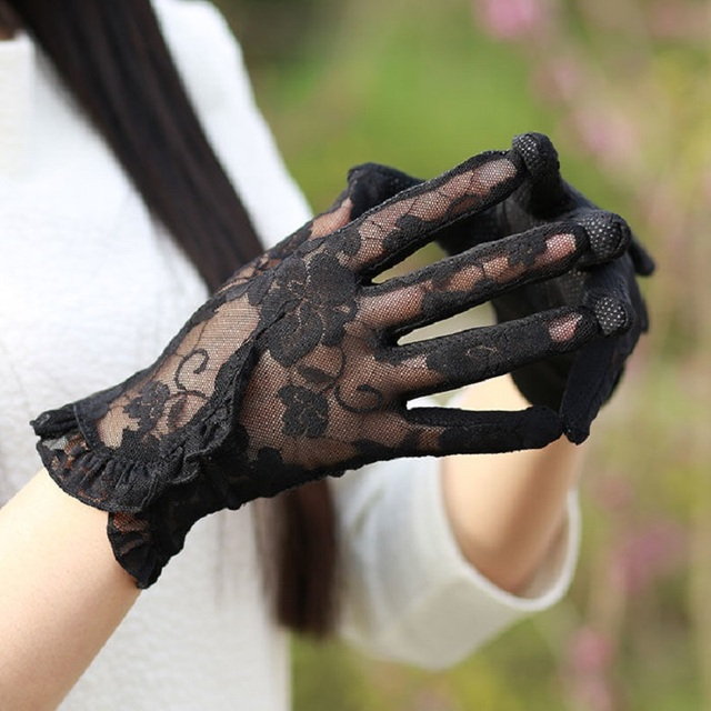 Fashion Sexy Lace Touch Screen Gloves Summer Sunscreen Ladies Anti-UV Driving Anti-Skid Cycling Lace Lotus Leaf Gloves 3