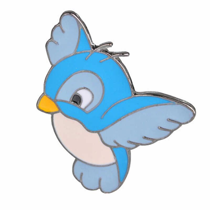 Nuovo Fumetto Sveglio Volare Uccello Blu Spilli Uccelli Risvolto Spille Spille Badge per L'abbigliamento Delle Ragazze Delle Donne Camicette Borse Spilla Decorazione
