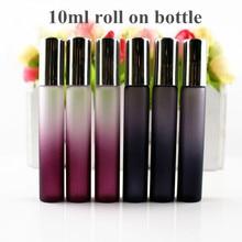 50 adet/grup 10ml cam şişe üzerinde rulo siyah/mor ince cam Roll On flakon 10cc uçucu yağ rulo parfüm örnek şişe