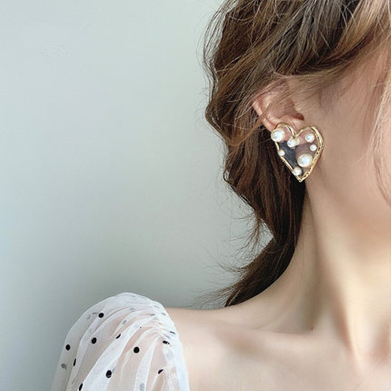 Fashion Geometric Heart Resin Drop Earrings For Women Vintage Imitation Pearl Gold Pendant Dangle Earring Jewelry Brincos