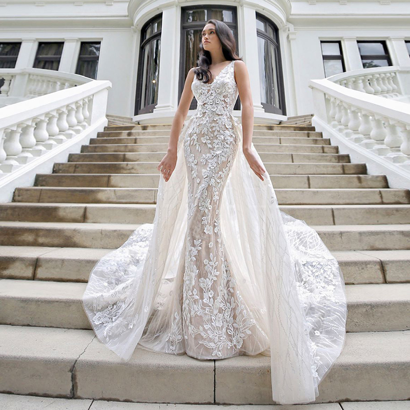 Light Champagne Sleeveless Floral Lace Mermaid Long Wedding Dress With Removable Court Train