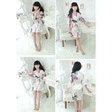 Высокое качество; модный детский Атласный халат для девочек; цветочный халат с принтом павлина; Короткое Кимоно; ночное купальное платье