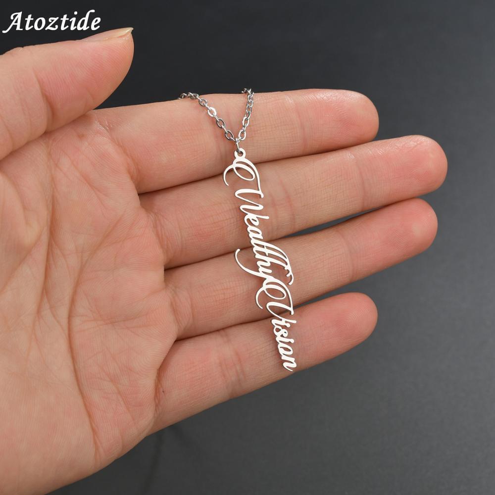 Atoztide nouveau personnalisé en acier inoxydable nom collier pour femme personnalisé lettre Vertical pendentif collier plaque signalétique cadeau