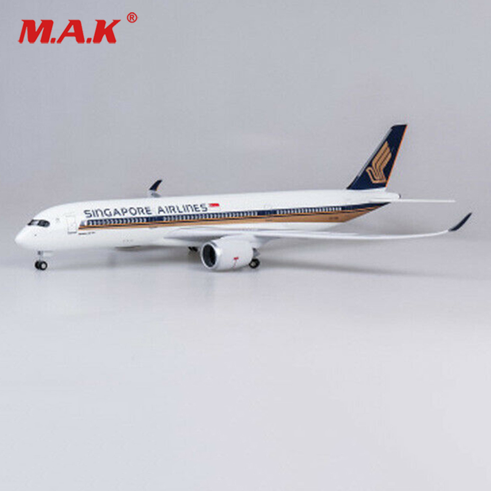 1/142 Scale Passenger Plane Model Singapore Airlines A350 LED Aircraft Model Toy Plane Airforce Model boys gift image